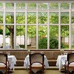 Photo de Seasons Restaurant