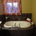"""salle de bain de la chambre """"Chenavard"""""""