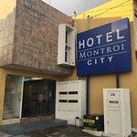 호텔 몬트로이 익스프레스