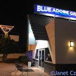 Foto de Blue Adobe Sante Fe Grille