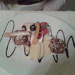 mousse au chocolat et ses fruits, crème anglaise