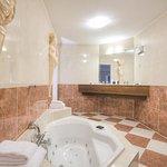 Suite - Bathroom with jacuzzi