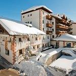 Photo de Hotel Loewe