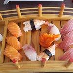 Sushi 12 stuks 16 euro SUPER VERS
