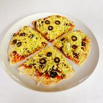 Pizzacos with creamy and spicy sauce