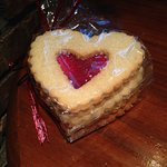 La Madeleine French Bakery & Cafe - Phenomenal Linzer Cookies!