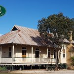 Bonus Downs Farmstay historic Jackaroo's Cottage accommodattion. 6 rooms available