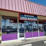 Exterior of Sutha Thai Kitchen in Tustin, CA