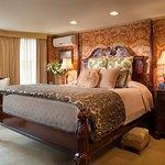 Van Alen room- King Bed