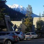 Foto de Tunnel Mountain Resort