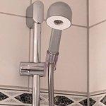 Die Dusche und der Wasserdruck bei warmen Wasser sind ein Witz
