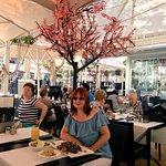 Photo de Cafe London