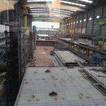 """die kleinere Fertigungshalle, wo die """" kleinen """" AIDAs gebaut werden"""