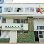 HOTEL NUEVO CRISTAL, PRECIOS ECONÓMICOS , HOTEL FAMILIAR EN EL CENTRO DE MEDELLIN.