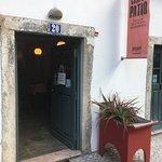 Ett helt fantastiskt litet b&bhotel med miljötänk,mitt i gamla Lissabon, med underbar personal,