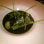 Algensuppe mit geräucherter Auster