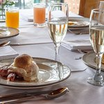 Desayuno - Menú de huevos y espumante