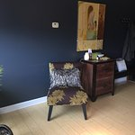 New chic wall colors at Evolve Spa!