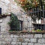ingresso lato giardino