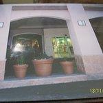 Entrada del tradicional hotel, ubicado al Norte de Fort Lauderdale.