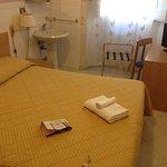Habitacion con lavabo pero sin baño