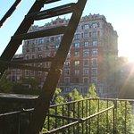 Photo de Broadway Hotel and Hostel