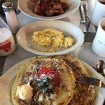 Fantastic breakfast at Artcliff Diner!