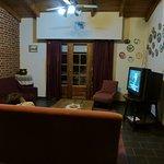 Sala de estar común, con televior.