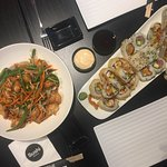 suchi combination & chicken pad-thai