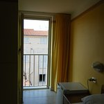 Camera con balconcino alla romana