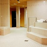 Unsere Wellness Bereich bietet 3 verschiedene Saunen (Danarium, Dampfbad und Dauna)