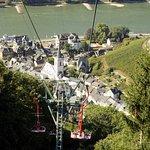 Chairlift approaching Assmannshausen