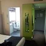 chambre confortable et bien aménagée