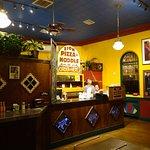 Photo de Zion Pizza & Noodle Co