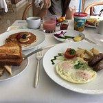 ゆったりと時間の流れる気持ちのよい朝食でした