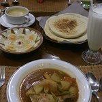 Berbagai makanan khas Arab
