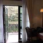 Hotel De' La Ferns Foto