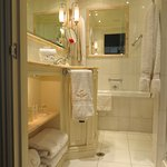 Chesterfield Suite: bathroom (step up from sitting/bedroom area)