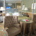 Chesterfield Suite: bed, armchairs, table