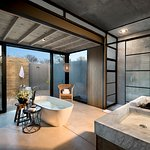 Jacana Suite bathroom