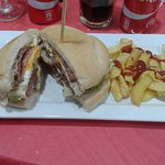 Espectacular hamburguesa doble o especial