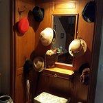 Hall caratteristica con cappelli del primo '900