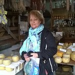 Salames, chorizos, quesitos riquísimos! en El Batará