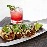 Bar bites & innovative cocktails