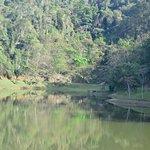 Lago grande, onde ocorrem as atividades de lazer aquático.