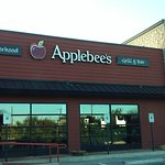 Applebees Taylor, Texas East face.