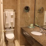 Queen's Landing bathroom