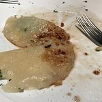 Ravioli di patate e granella di nocciole al burro (quel che resta)