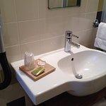 Petit plateau d'accueil (savon, verres, bonnet de bains)