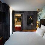 Snob Hotel